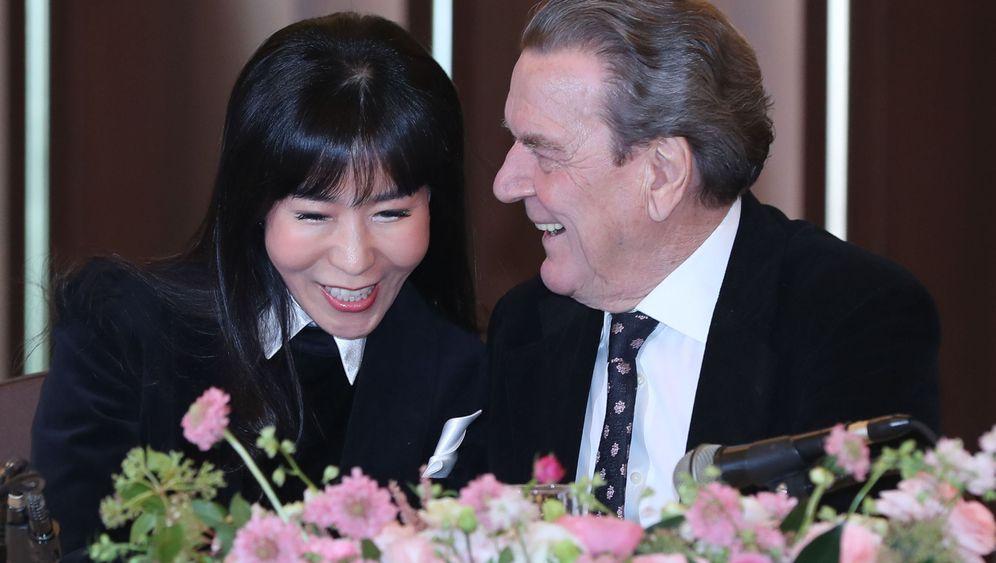 Gerhard Schröder: Ring am Finger