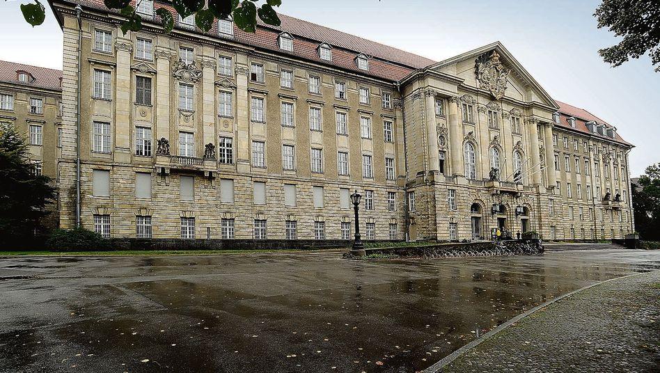 Anschlagspläne in Berlin: Islamist aus Amri-Umfeld zu Haftstrafe verurteilt