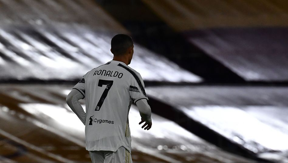 Cristiano Ronaldo: Der Superstar glänzt auf dem Feld, die Anwälte bemühen sich im Hintergrund um Schadensbegrenzung