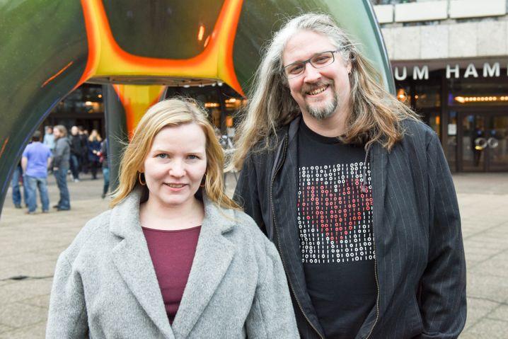 """Marie Moe und Éireann Leverett: """"Hacken, um Leben zu retten"""""""