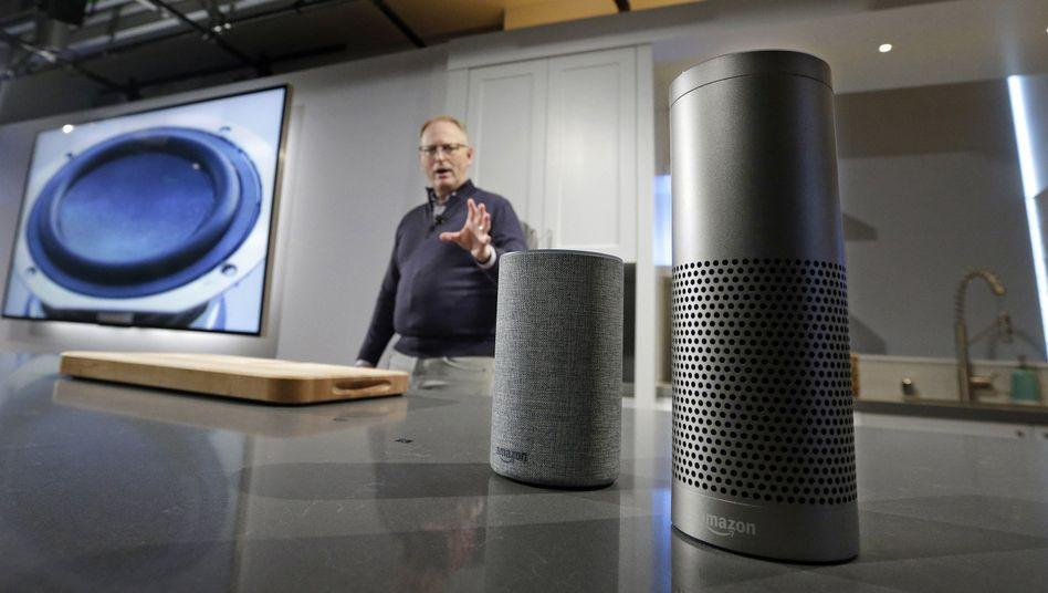 Amazon-Manager David Limp mit Echo