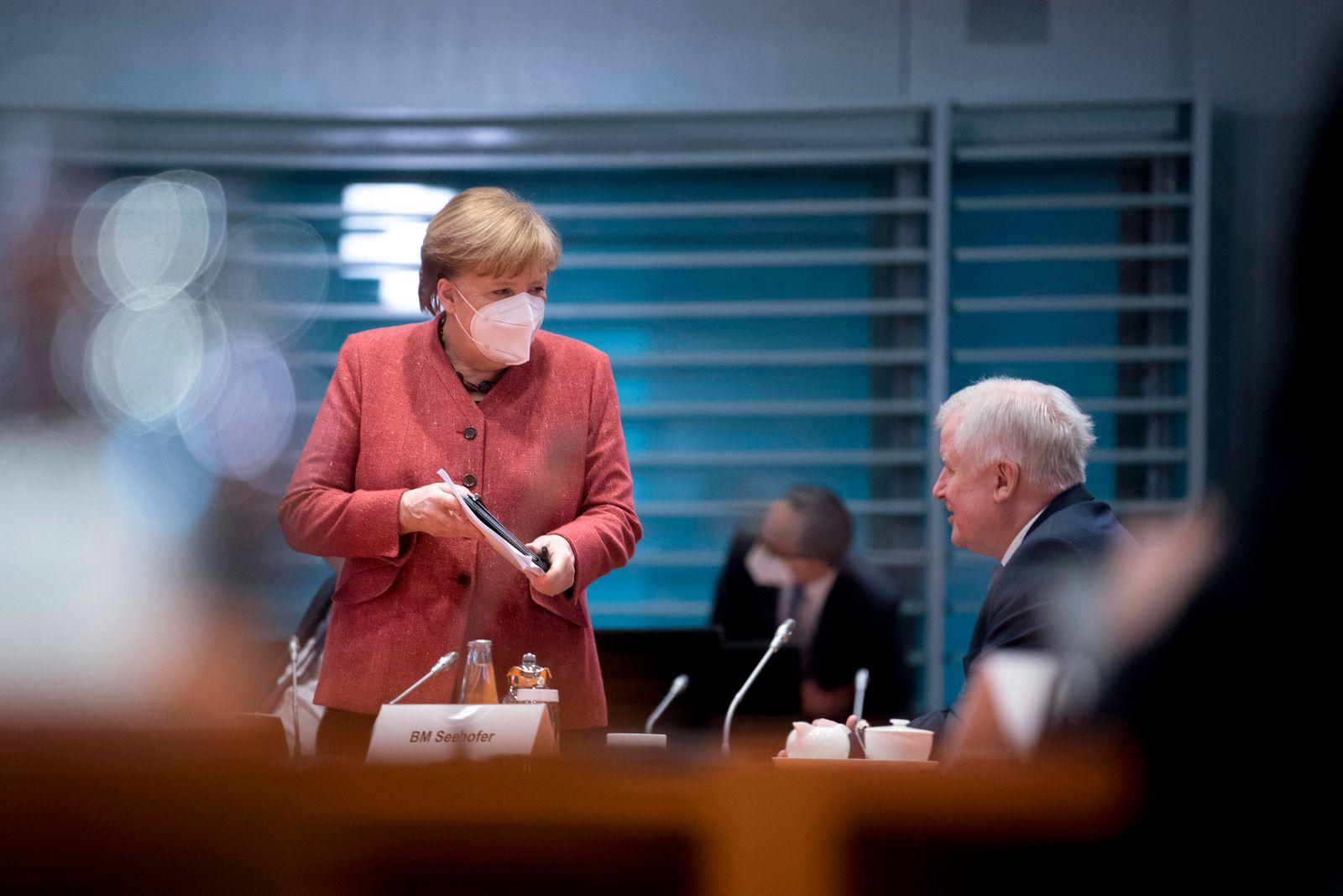 Seehofer, Merkel, Kabinett DEU, Deutschland, Germany, Berlin, 20.01.2021 Horst Seehofer, Bundesinnenminister CSU, und A