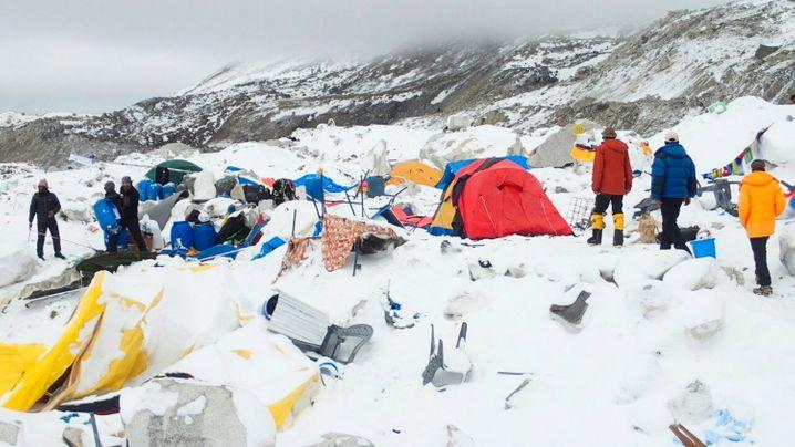 Erdebeben in Nepal: Lawine am Mount Everest