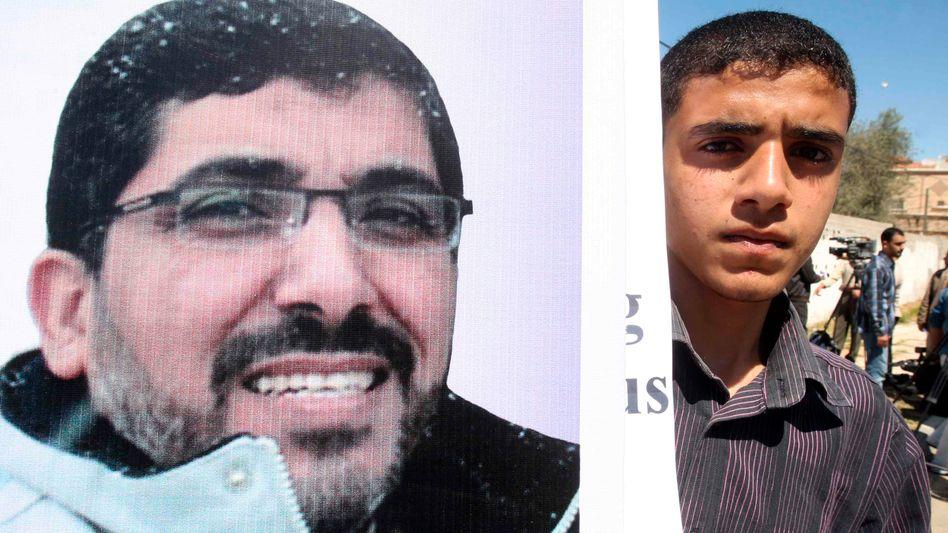 """Proteste im Gaza-Streifen für Dirar Abu Sisi: Anklage wegen """"schwerer Vergehen"""""""