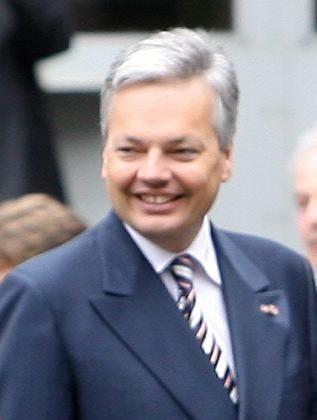Finanzminister Reynders: Auf informelle Weise informiert