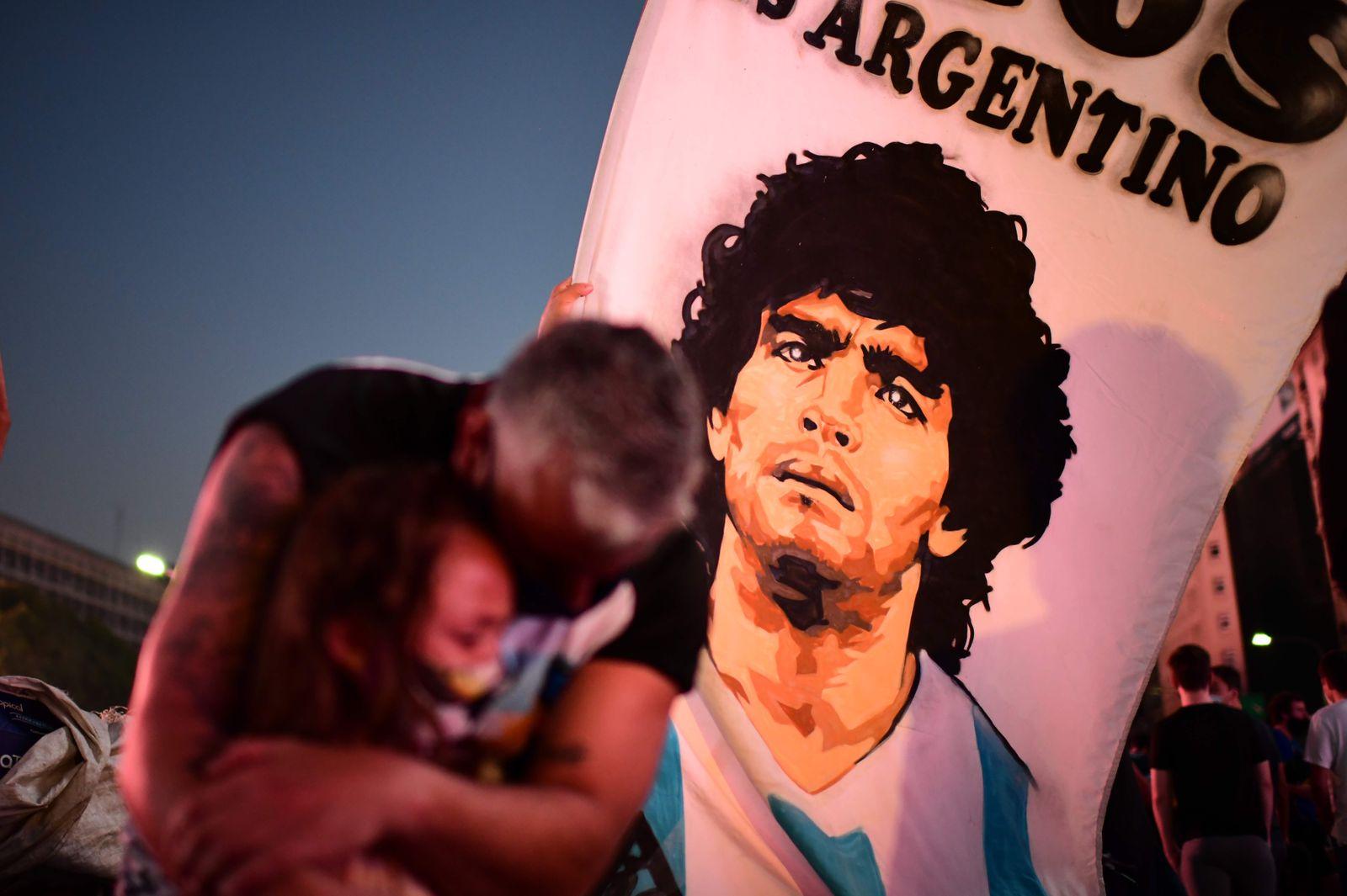 TOPSHOT-FBL-ARGENTINA-MARADONA-DEATH