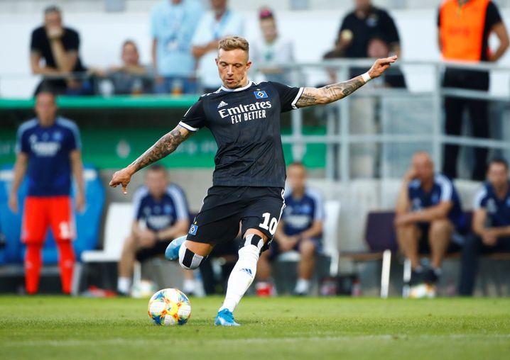 Kittel hat in seinen ersten drei Pflichtspielen für den HSV zwei Freistoßtore erzielt