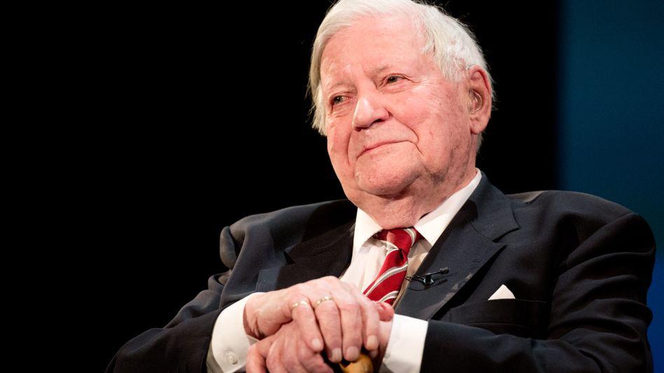 Altbundeskanzler Schmidt: Er teilte gegen EU-Außenpolitiker aus