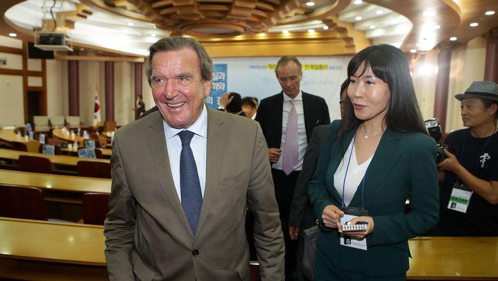 Gerhard Schröder: Die Neue an der Seite des Altkanzlers