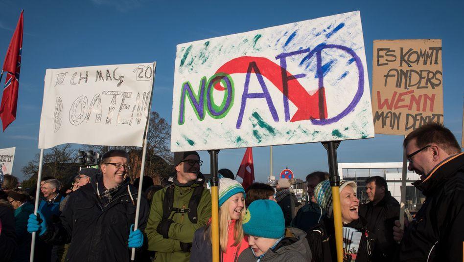 Demonstranten in Rheda-Wiedenbrück