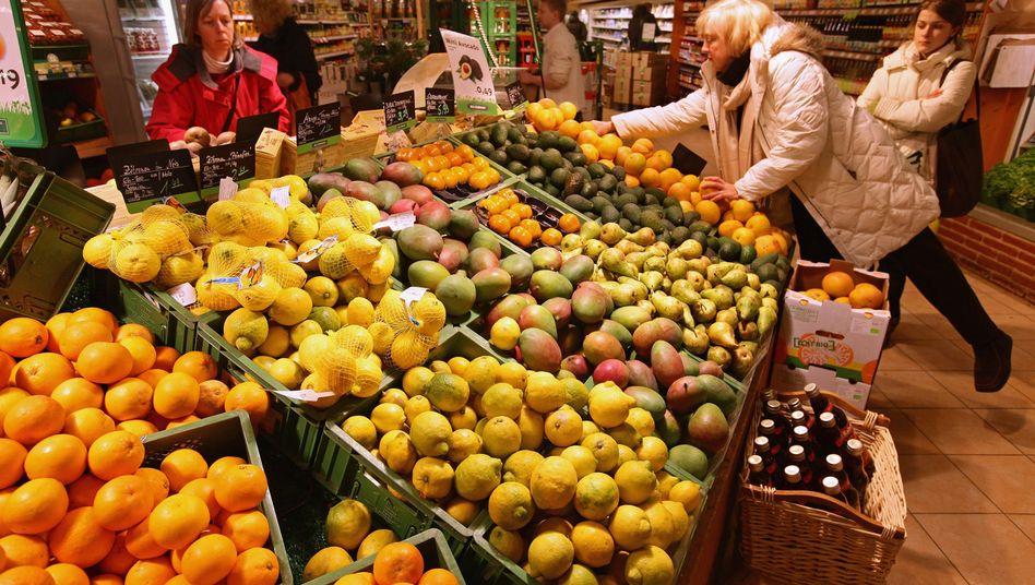 Obst im Supermarkt: WWF prangert Verschwendung von Lebensmitteln an