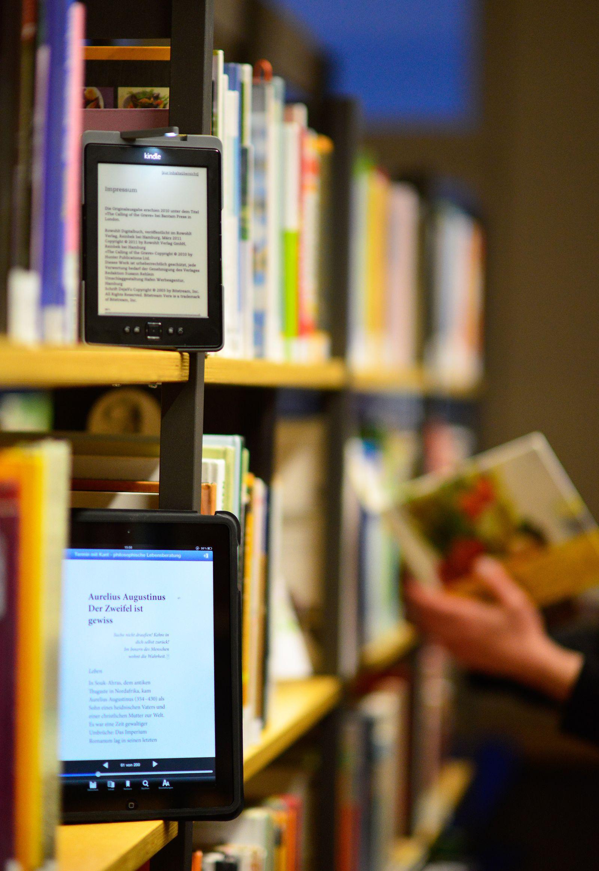 Ebook / Bücherregal / amazon