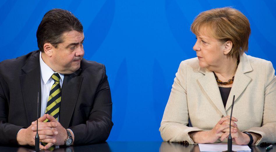 """Kanzlerin Merkel, Vize Gabriel: """"Schwere Erschütterung"""""""