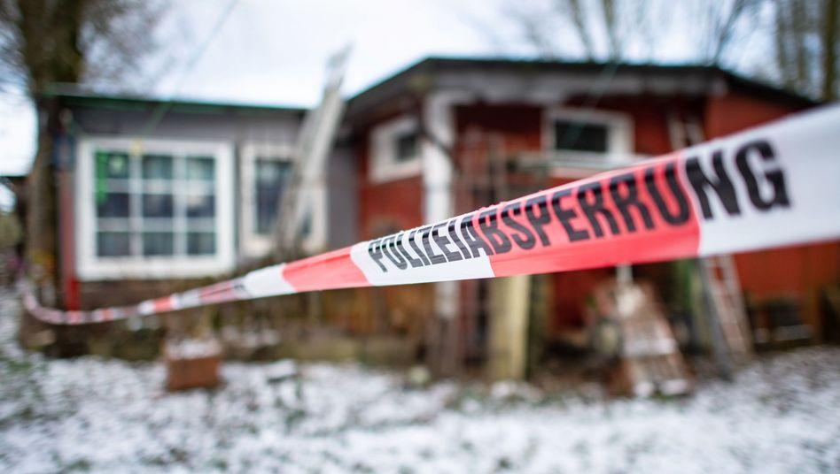 Von der Polizei abgesperrtes Gebäude auf dem Campingplatz Eichwald (Archivfoto): Die Staatsanwaltschaft hat Anklage gegen einen weiteren Verdächtigen im Missbrauchsfall von Lügde erhoben