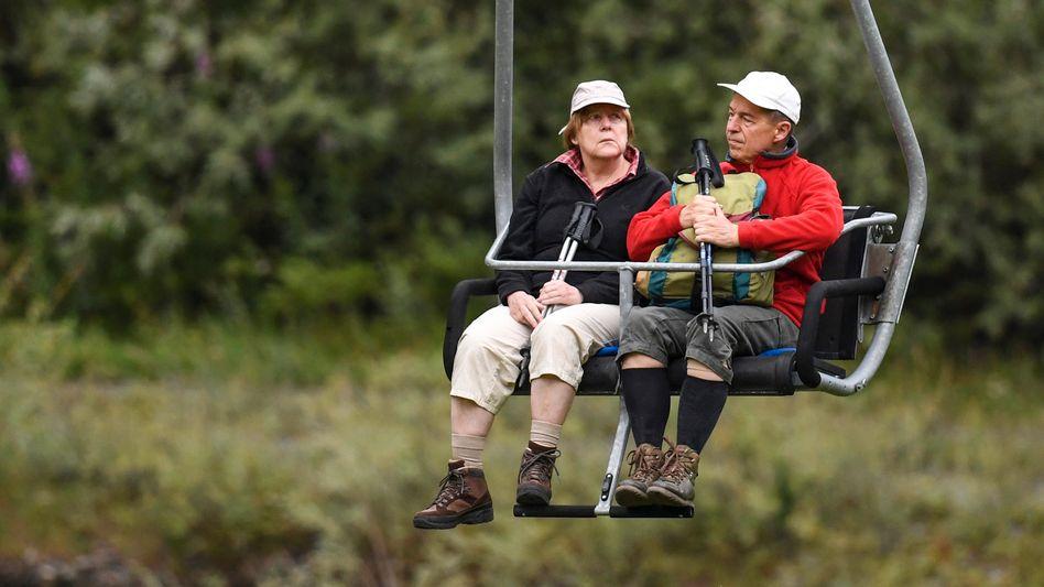 Ehepaar Merkel, Sauer 2017 im Urlaub in Italien: Jedes Jahr die gleichen Bilder
