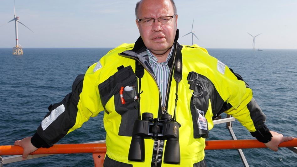 "Umweltminister Altmaier (im Windpark Alpha Ventus): ""Ich leide nicht darunter"""