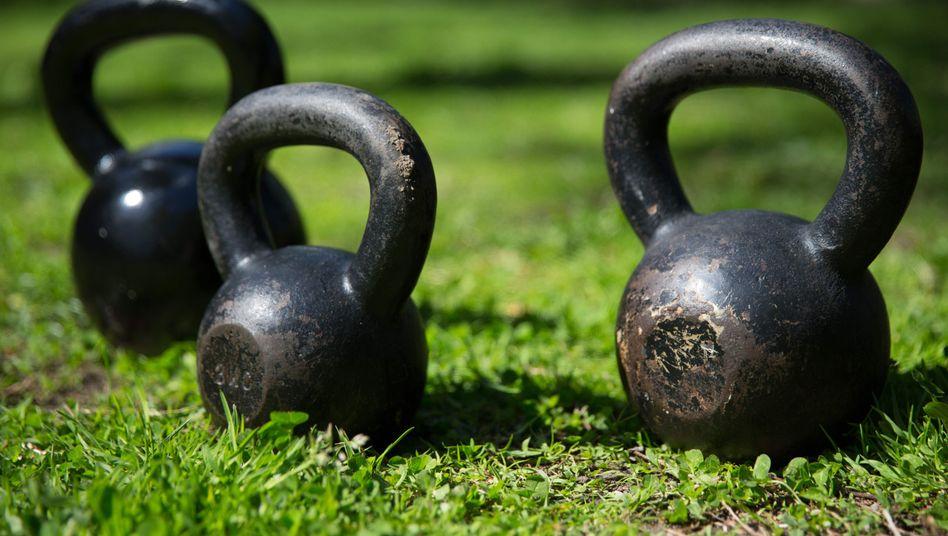 Kettlebells: Gewicht und Fliehkraft sorgen für eine starke Beanspruchung der Muskeln