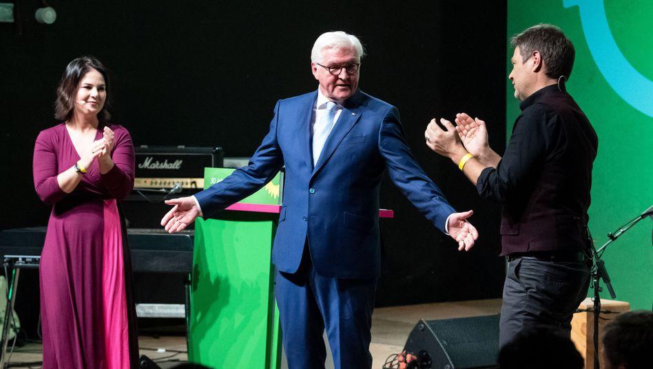 """Frank-Walter Steinmeier: """"Happy Birthday, vielen Dank, und Ihnen allen eine tolle Feier!"""""""