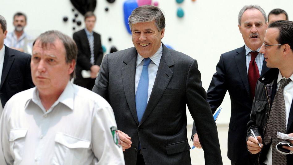 Deutsche-Bank-Chef Ackermann: Als ob er zu einem Geschäftstermin eilt