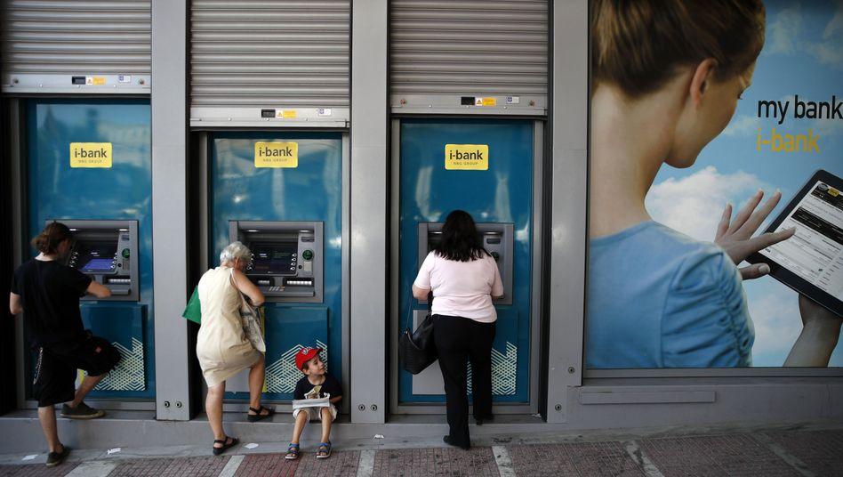 In der Finanzkrise 2010 konnten Griechen zunächst nur 60 Euro pro Tag abheben