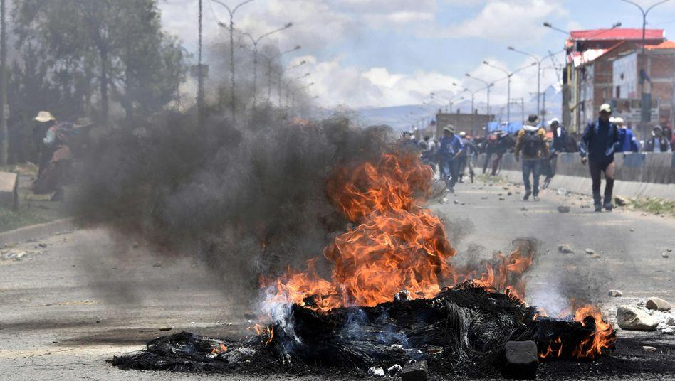 """Straßensperre von Morales-Anhängern in El Alto: Ex-Präsident spricht von """"Klassenkampf"""""""