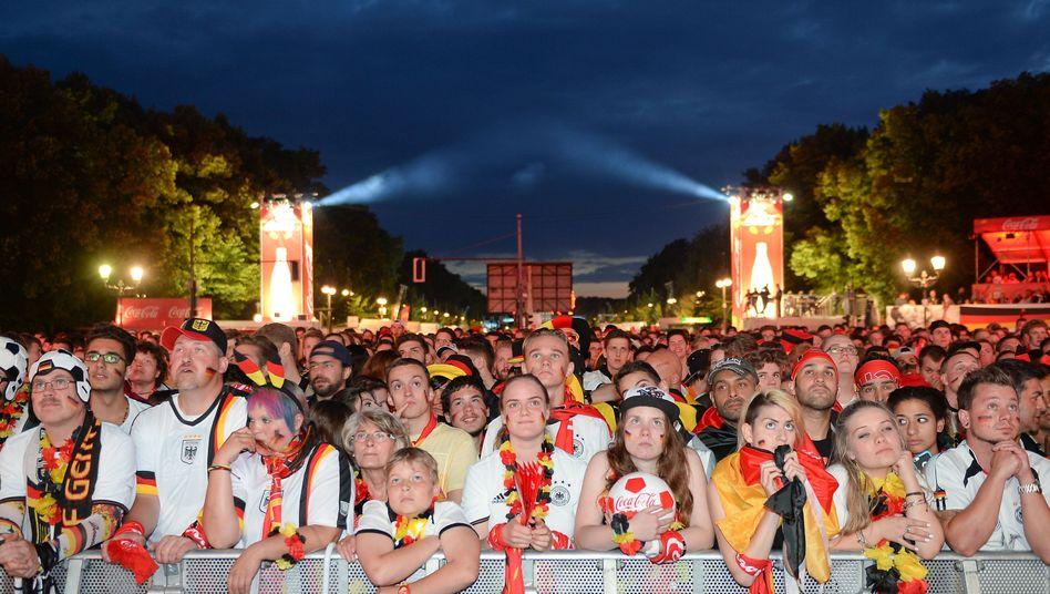 Deutschland-Fans auf der Fanmeile in Berlin