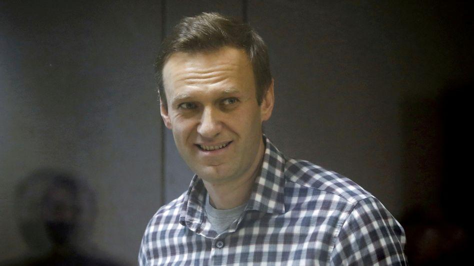 Alexej Nawalny bei einer Gerichtsverhandlung im Februar