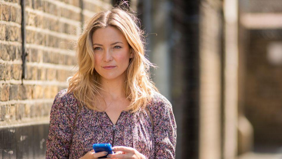Schauspielerin Kate Hudson wünscht sich mehr Kontakt zu ihrer Familie