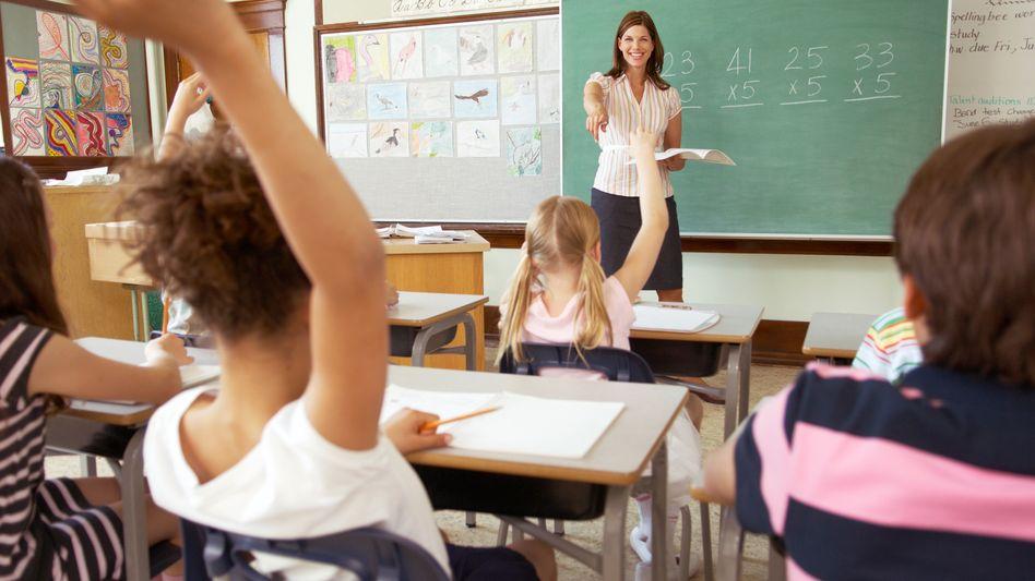 Pädagogische Vertretung (Symbolbild): Tausende Lehrer unterrichten nur auf Zeit