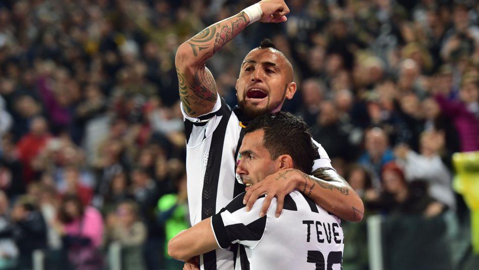 Juve-Stars Vidal (l.) und Tevez: Vorzeitig italienischer Meister