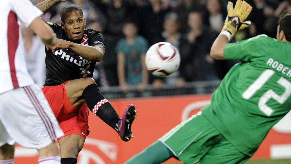 PSV-Profi Lens: Lange Pause nach Vorfall im Spielertunnel