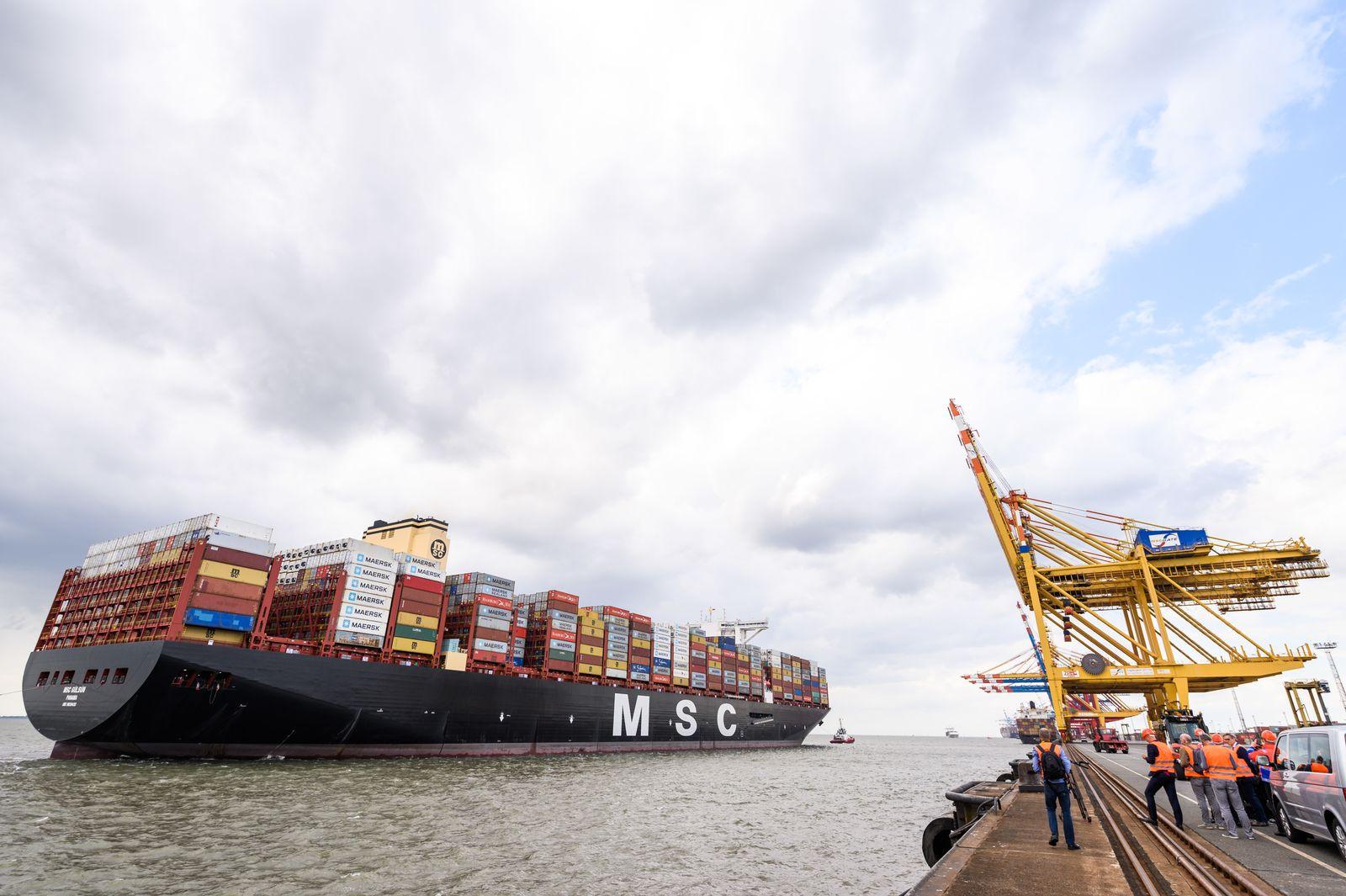 Deutschland / Konjunktur / Export / Containerschiff in Bremerhaven