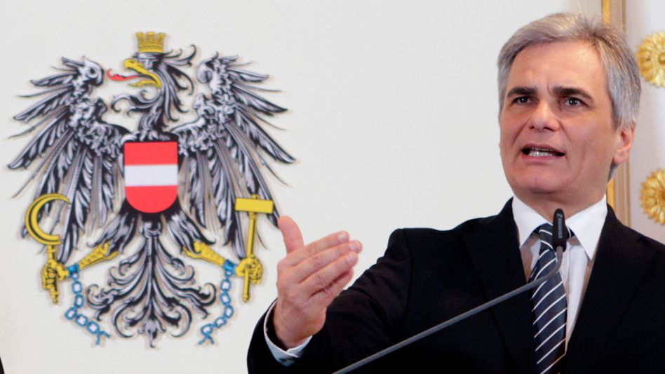 Austrian Chancellor Werner Faymann is not totally convinced of Chancellor Angela Merkel's crisis management.