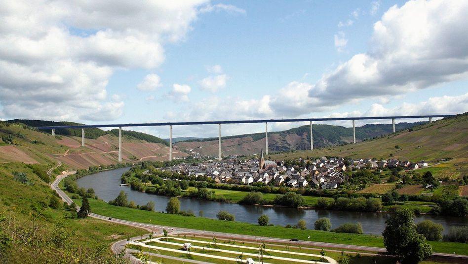 Simulation der Moselhochbrücke: Ausgerechnet an einer der schönsten Stellen des Tals
