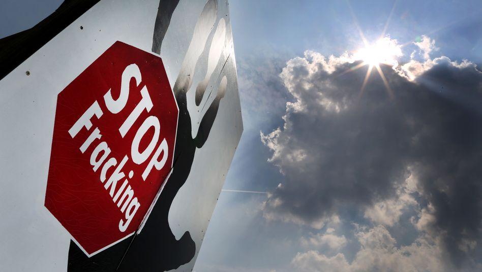Protestplakat gegen Fracking in Brünen, Nordrhein-Westfalen: Mehrheit der Deutschen fordert absolutes Verbot