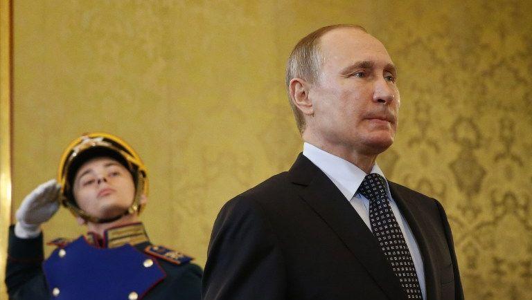 An Respekt des Personals fehlt es ihm nicht: Wladimir Putin im Kreml
