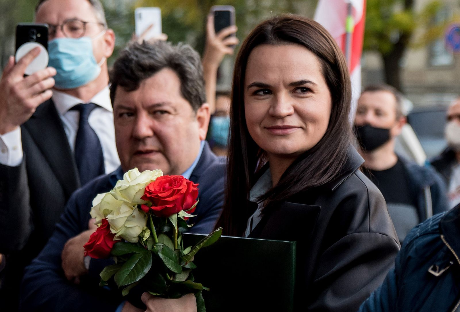 Exiled Belarus Opposition Leader Tikhanovskaya Pays Tribute To 'Freedom Fighters' In Day Of Events In Lithuania