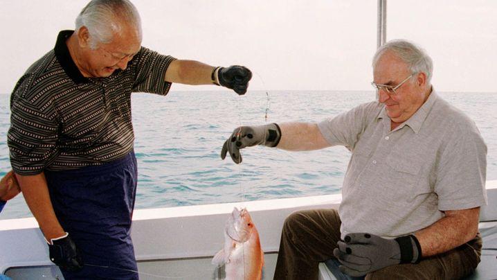 Politiker beim Angeln: Und danke für den Fisch
