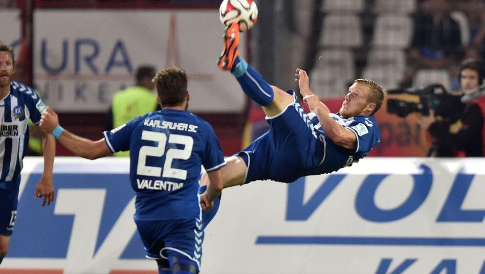 KSC-Stürmer Hennings (r.): Torschützenkönig der 2. Liga