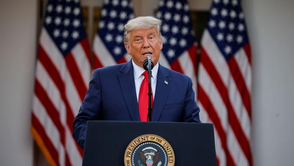 """Donald Trump vor dem Weißen Haus: Neue Lockdowns """"unter keinen Umständen"""""""