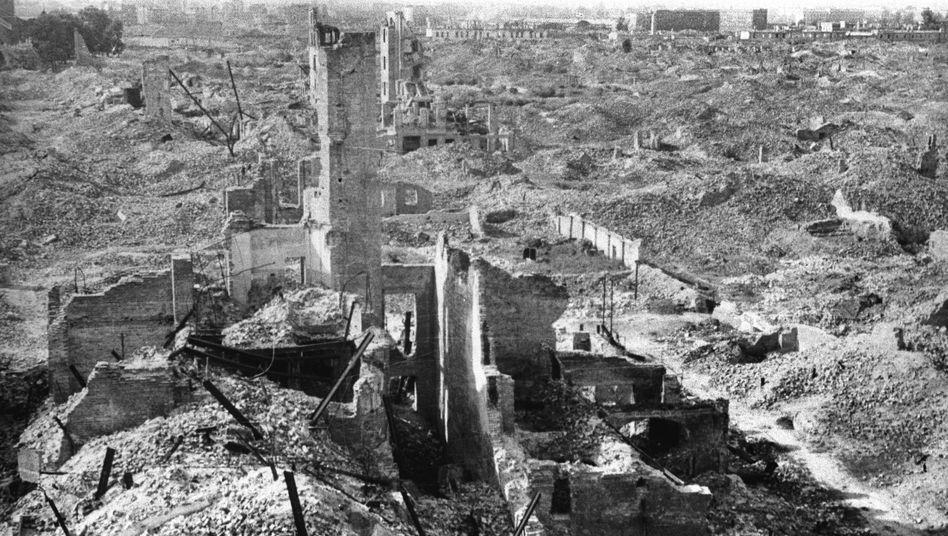Ruinen des Warschauer Ghettos: Die Unwahrheit geschickt in wahre Fakten eingeflochten