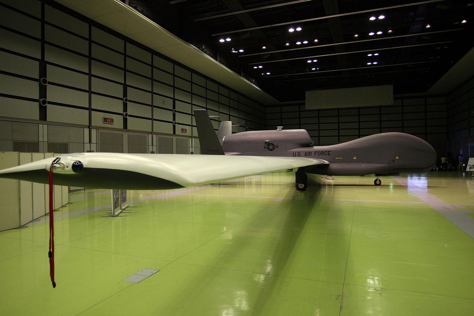 XXL Drohne/ Global Hawk/ Northrop
