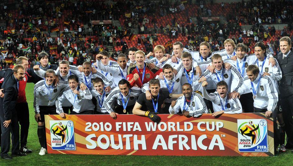 Das deutsche Team in Südafrika 2010: Bestechungsgelder für WM in Frankreich und Südafrika