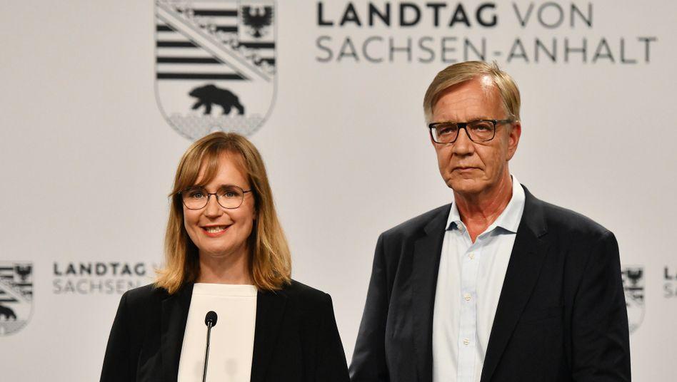Keine glücklichen Gesichter: Sachsen-Anhalts Spitzenkandidatin von Angern und Bundestagsfraktionschef Bartsch (beide Linke)
