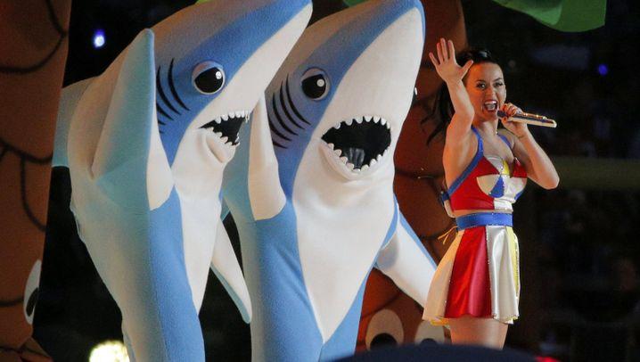 Super Bowl: Tanzende Haie stehlen Katy Perry die Show