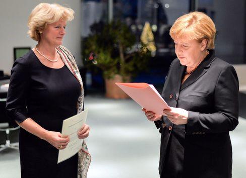 Monika Grütters mit Angela Merkel