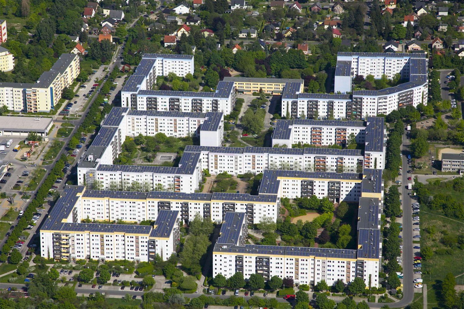 EINMALIGE VERWENDUNG Gelbes Viertel Berlin Solaranlage