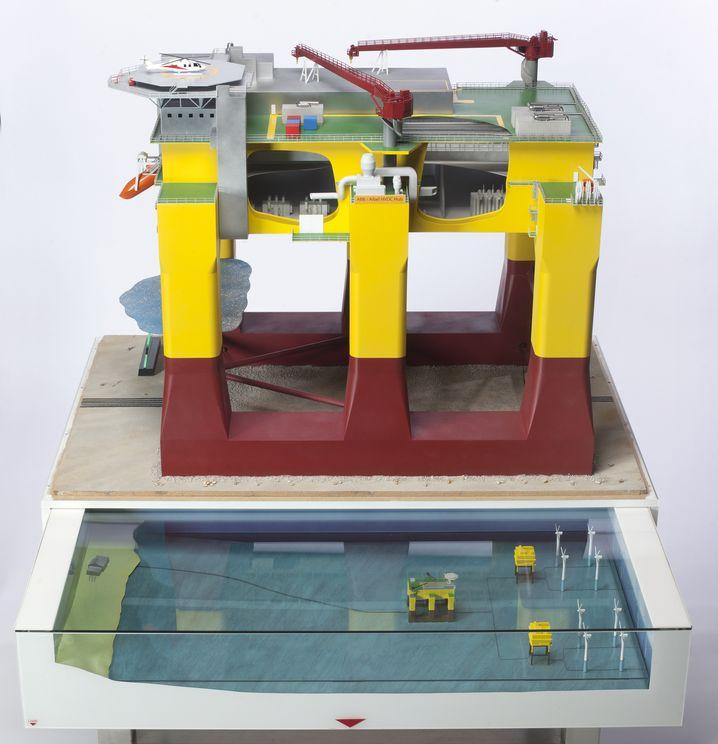 Modell einer schwimmenden Offshore-Plattform: Plug and play auf dem Meer