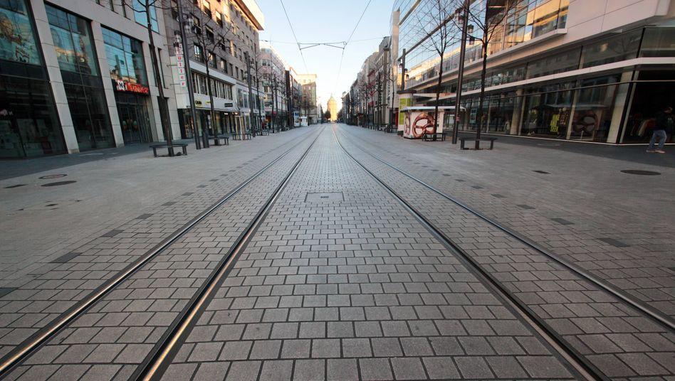 Einkaufsstraße und Fußgängerzone in der Innenstadt von Mannheim im März 2020
