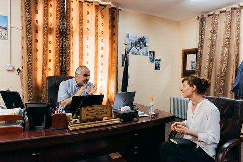 Ghazi Hamad, Alexandra Rojkov